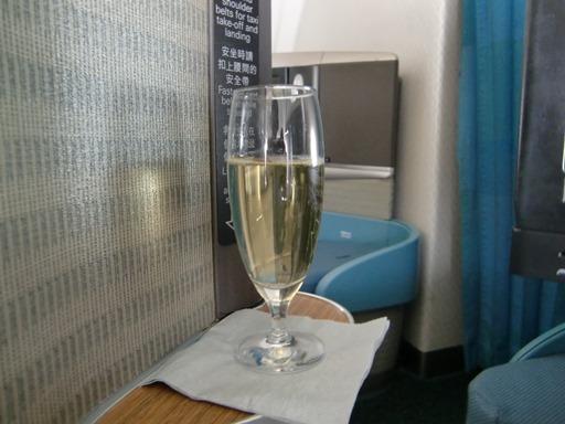 お約束のシャンパン.JPG