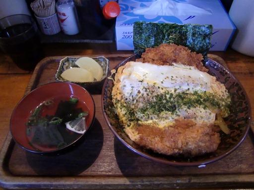 ベーシックなカツ丼.JPG