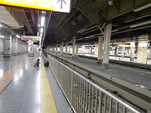 上野駅地上ホーム.JPG