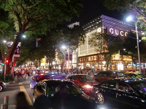 夜のOrchard Road.JPG
