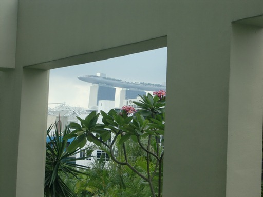 客室から見るMarina Bay Sands.JPG