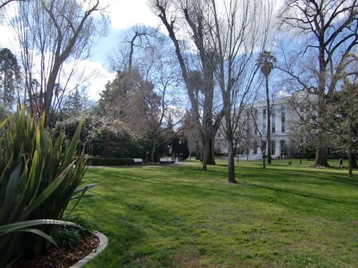 議事堂裏の公園.JPG